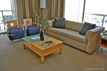 18683 Collins Ave #709 photo04
