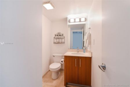 10275 Collins Ave #428 photo08