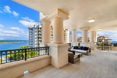 7066 Fisher Island Dr #7066 photo032