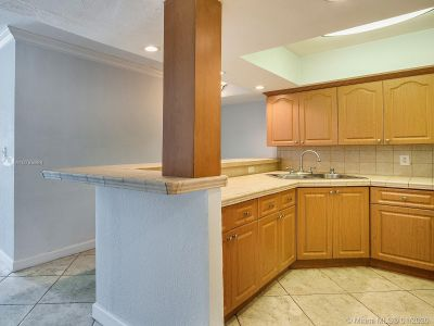 5401 Collins Ave #129 photo013