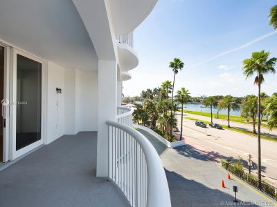 5401 Collins Ave #129 photo014