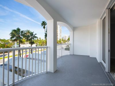 5401 Collins Ave #129 photo015