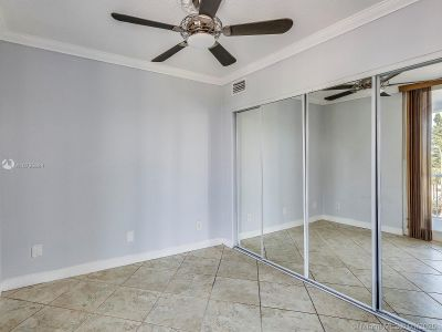 5401 Collins Ave #129 photo017