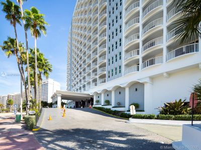 5401 Collins Ave #129 photo08