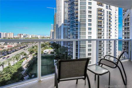 18001 Collins Ave #802 photo01