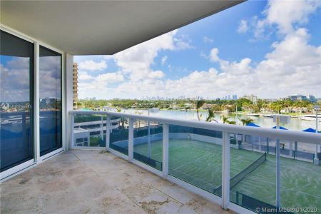 Blue Diamond #706 - 4779 Collins Ave #706, Miami Beach, FL 33140