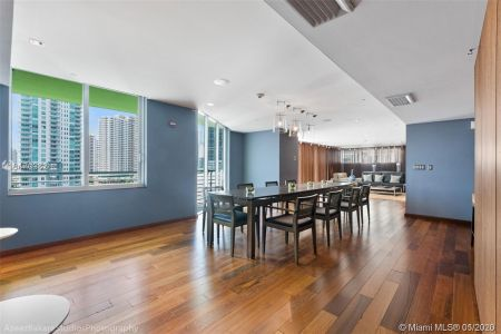 335 S Biscayne Blvd #2110 photo020