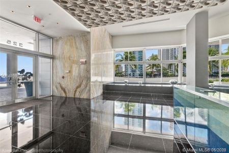 335 S Biscayne Blvd #2110 photo027