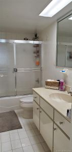 5401 Collins Ave #1128 photo08