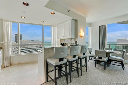 Fontainebleau Tresor #2101/2103 - 4401 Collins Ave #2101/2103, Miami Beach, FL 33140