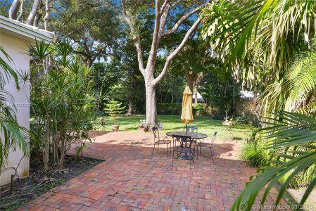 585 Sabal Palm Rd photo019