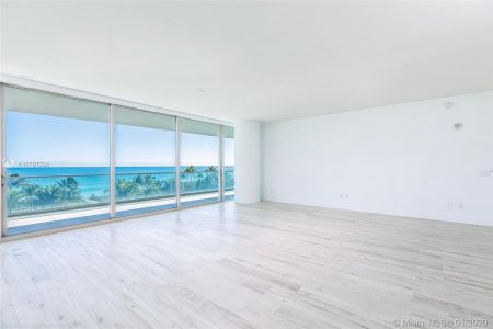 10203 Collins Ave #401 photo03