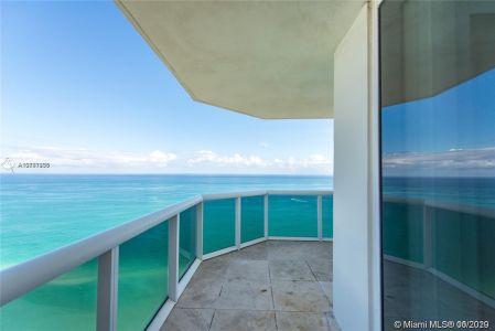 Green Diamond #2702 - 4775 Collins Ave #2702, Miami Beach, FL 33140