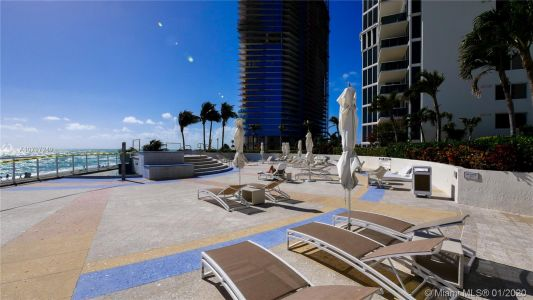 19111 Collins Ave #1001 photo02
