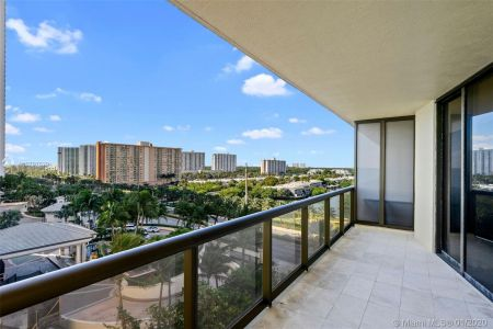 16275 Collins Ave #703 photo04
