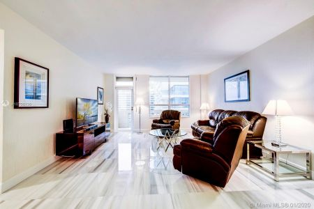 10185 Collins Ave #1423 photo03