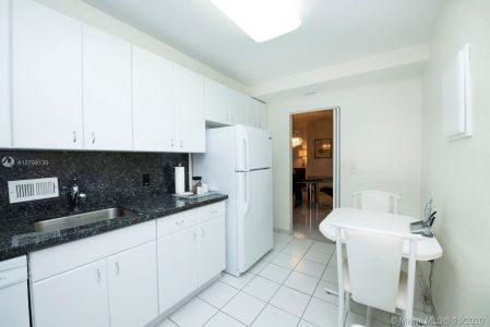 10185 Collins Ave #1423 photo06