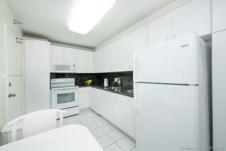 10185 Collins Ave #1423 photo07