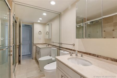 5700 Collins Ave #10G photo010