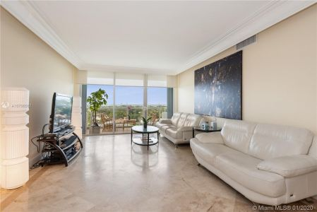 5700 Collins Ave #10G photo04