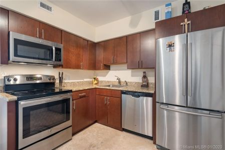 5700 Collins Ave #10G photo05