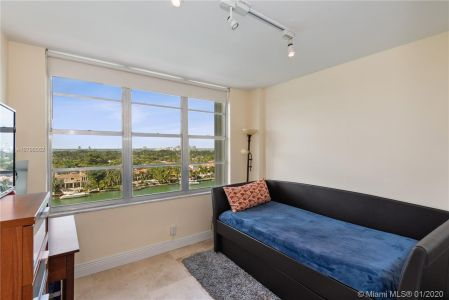 5700 Collins Ave #10G photo09