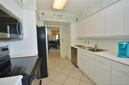 16445 Collins Ave #1828 photo014