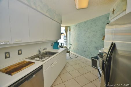 16445 Collins Ave #1828 photo015