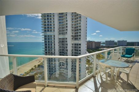 16445 Collins Ave #1828 photo02