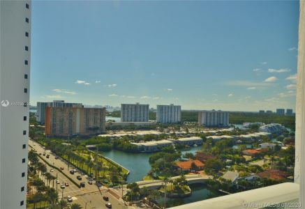 16445 Collins Ave #1828 photo08