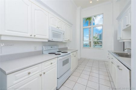 701 Brickell Key Blvd #303 photo06