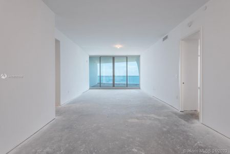 16901 Collins Ave #603 photo02