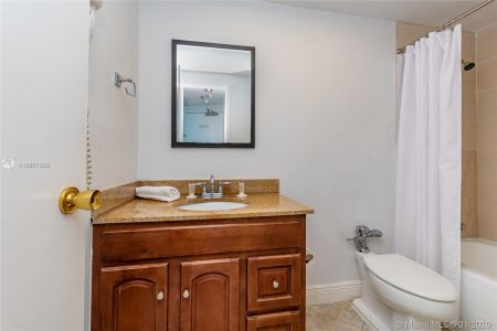 5445 Collins Ave #424 photo019