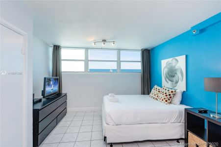 5445 Collins Ave #424 photo07