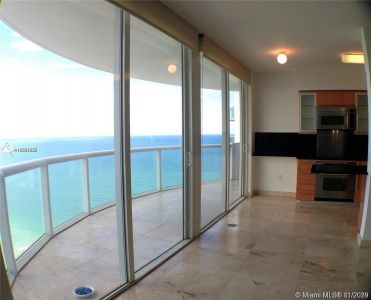 6365 Collins Ave #4509 photo03