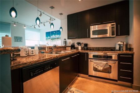 6515 Collins Ave #1110 photo06