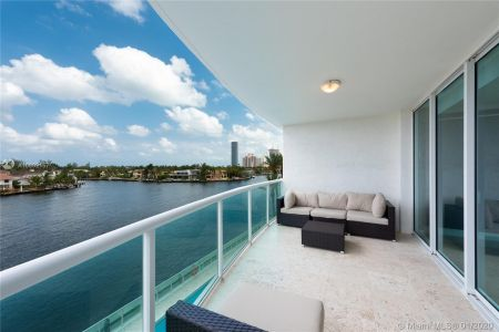 Hamptons South #405 - 20201 E Country Club Dr #405, Aventura, FL 33180