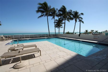 5757 Collins Ave #602 photo022