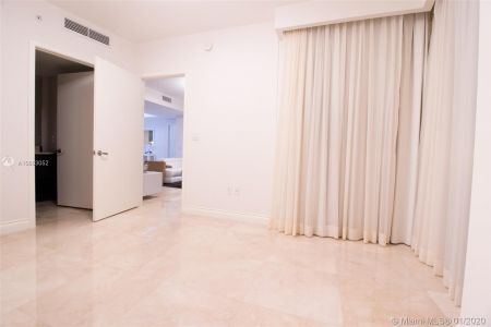 18201 Collins Ave #1704 photo017