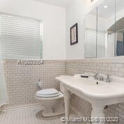 5514 Pine Tree Dr photo010