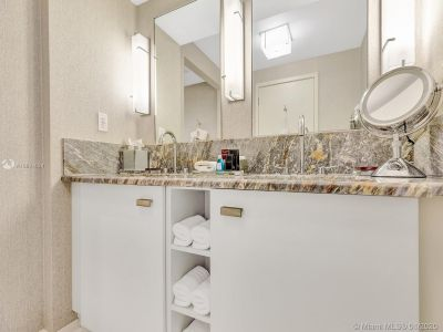 551 N Fort Lauderdale Beach Blvd #R1814 photo022
