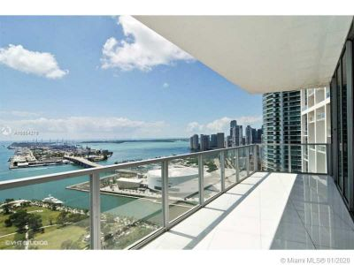 1100 BISCAYNE BL #4001 photo01