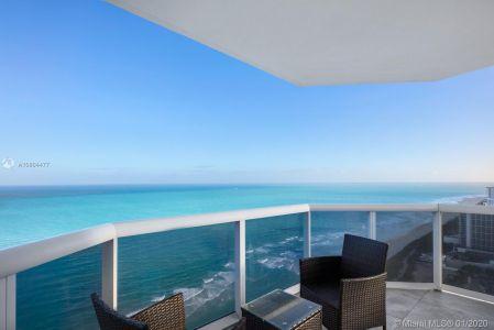 Blue Diamond #3703 - 4779 Collins Ave #3703, Miami Beach, FL 33140