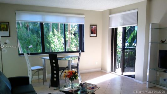 540 Brickell Key Dr #305 photo07