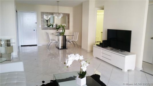 5555 Collins Ave #7T photo05