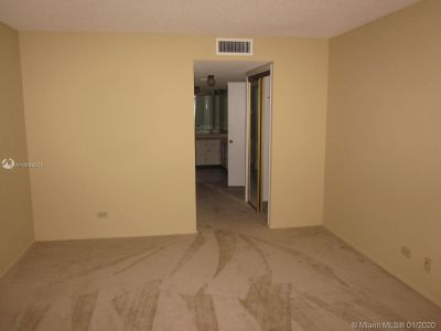 6039 Collins Ave #816 photo05