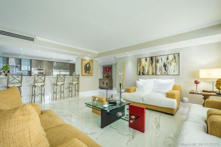 10205 Collins Ave #1004- RENOVATED photo01