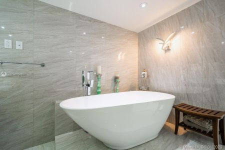 10205 Collins Ave #1004- RENOVATED photo013