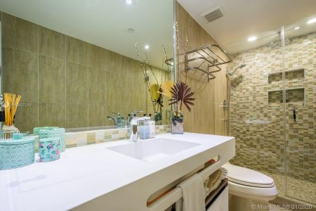 10205 Collins Ave #1004- RENOVATED photo016