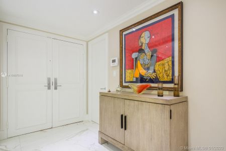 10205 Collins Ave #1004- RENOVATED photo024